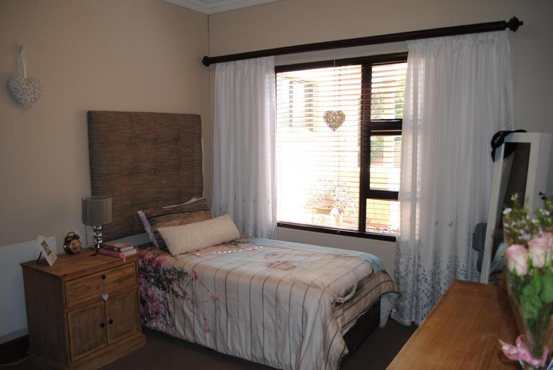 Property For Sale in Midlands Estate, Centurion 25