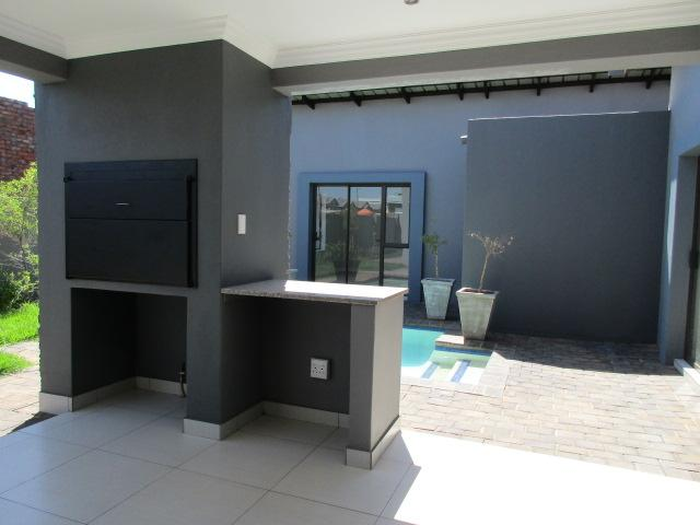 Property For Rent in Midstream Ridge, Centurion 11