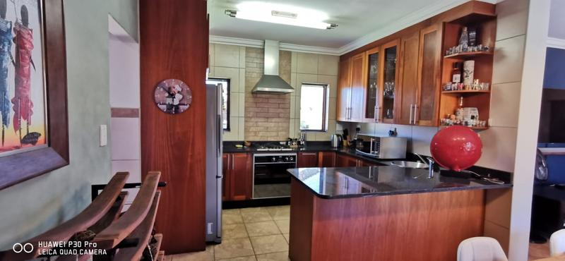 Property For Sale in Midlands Estate, Centurion 6